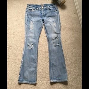 MUDD Low rise factory destroyed boot cut jeans💙
